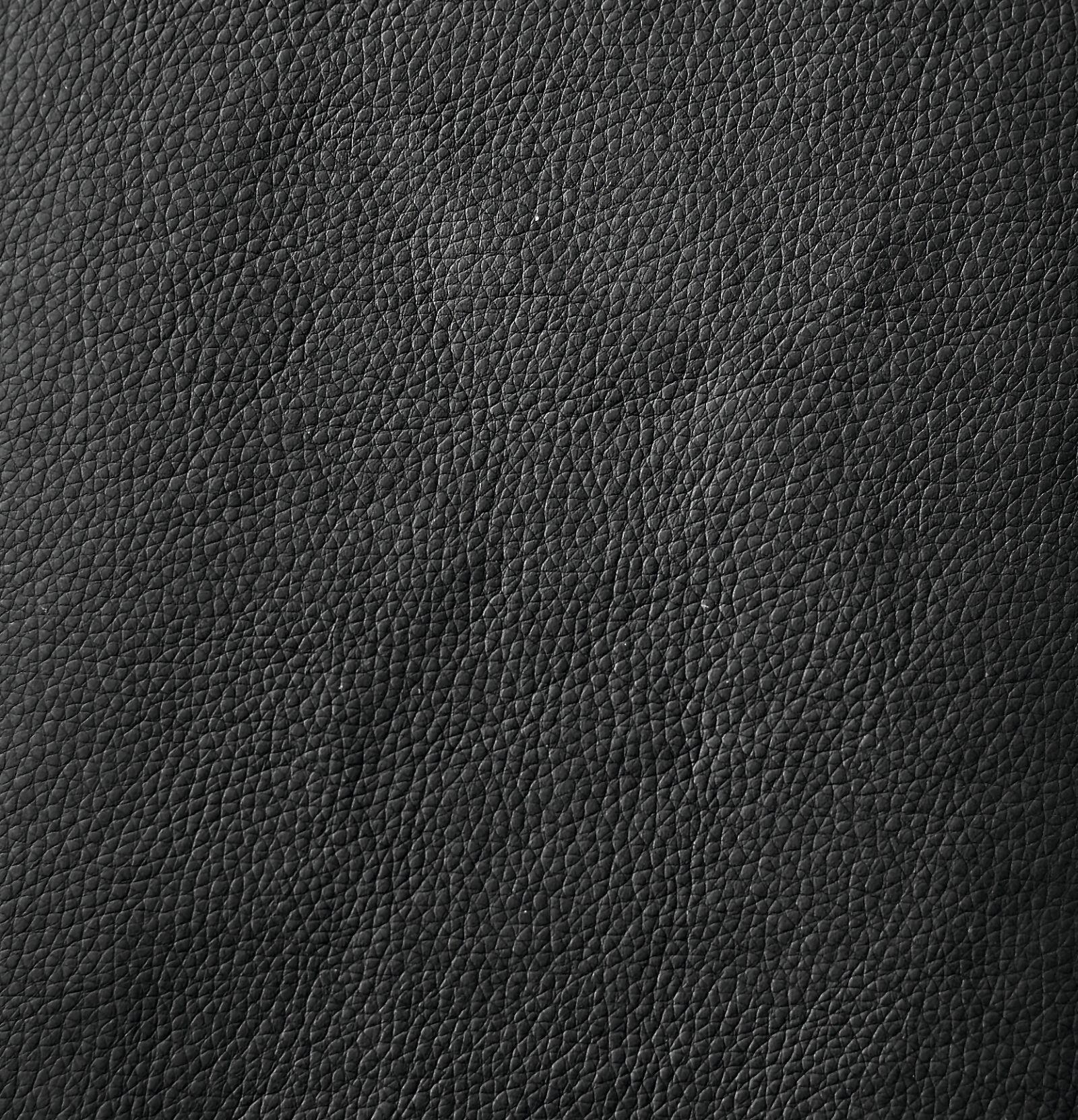 Des: 582 Leather Look Black